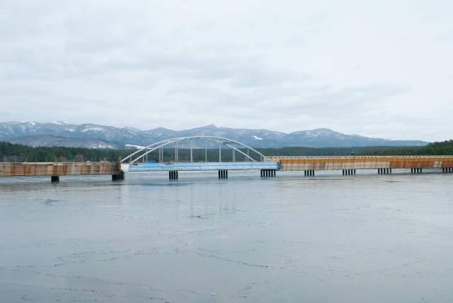 7キロ、南北5キロ、湖周25キロ、水深3m前後、面積10.8平方キロの青森県津軽半島北西部東西の日本海岸にある汽水湖です