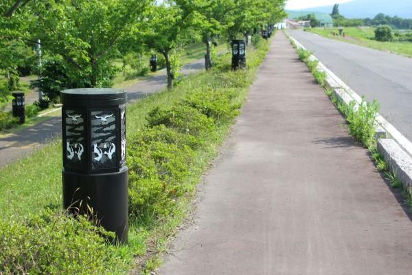 桜づつみ公園の鶴の街頭