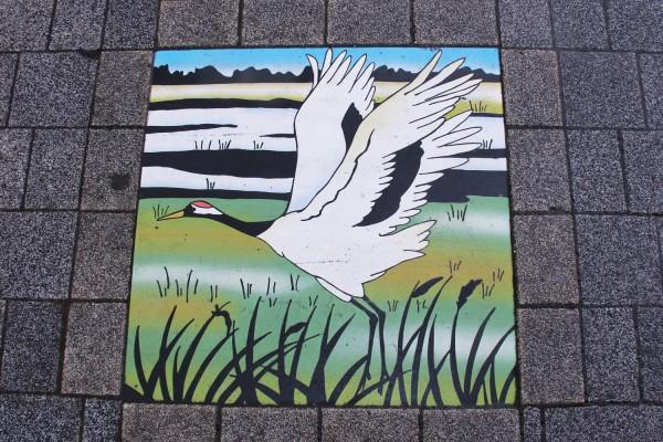 桜づつみ公園の東屋の鶴