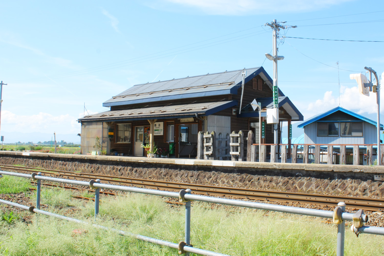 レトロな木造の駅舎