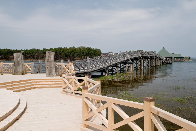 日本一長い木の橋「鶴の舞橋」