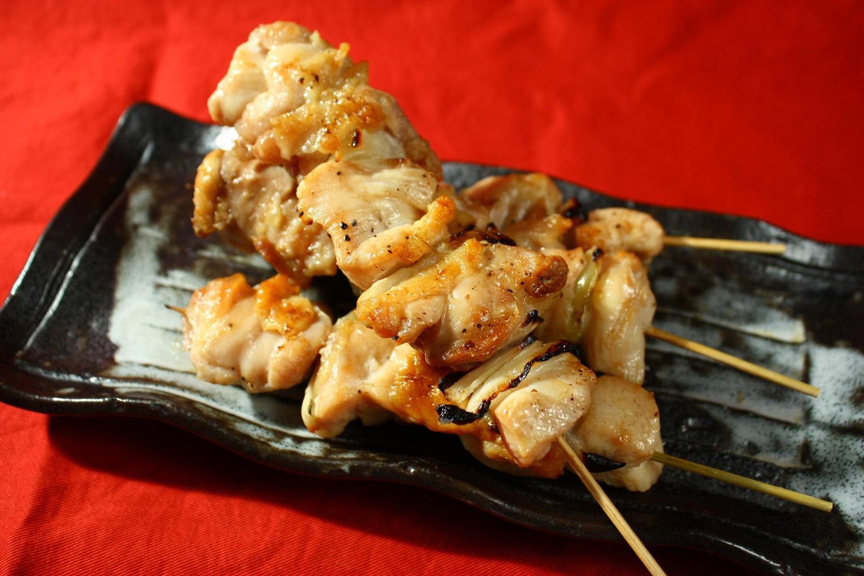 成田精肉店の「ジャンボ焼き鳥」