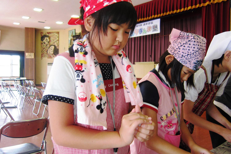 鶴田町内の小学校での食育活動