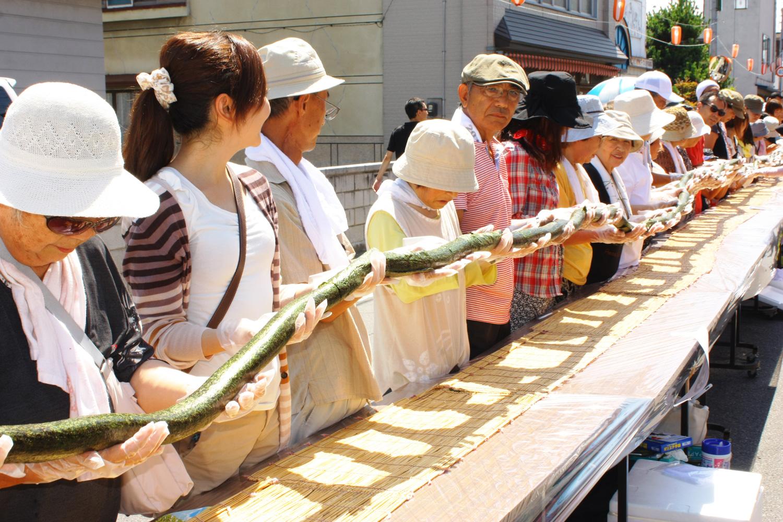 全長216mの龍巻寿司