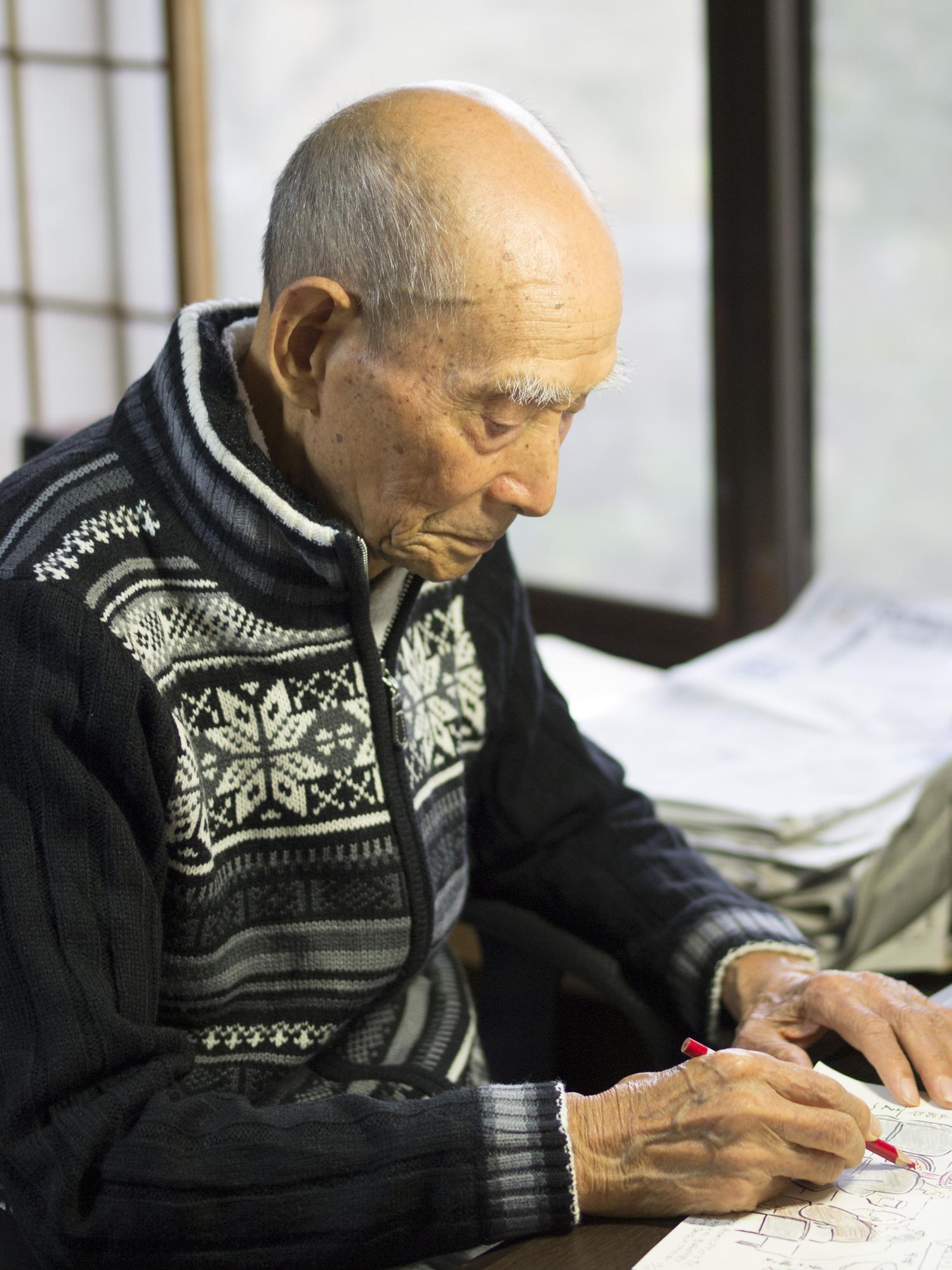大ベストセラーの絵日記本『はげまして はげまされて』(廣済堂出版)の著者、竹浪正造さん。