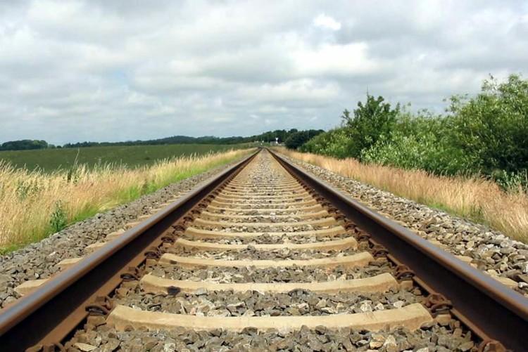 JR五能線は秋田県・東能代駅から青森県・川部駅までの全長147.2kmを走るローカル線です