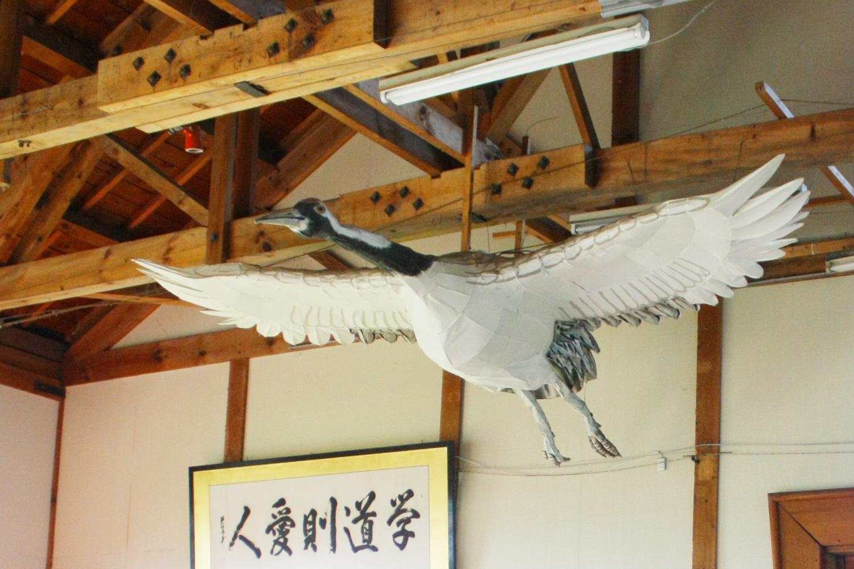 当時の体育館には鶴凧が展示されている。