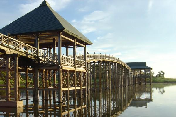 全長300mの日本一長い木造の橋 鶴の舞橋