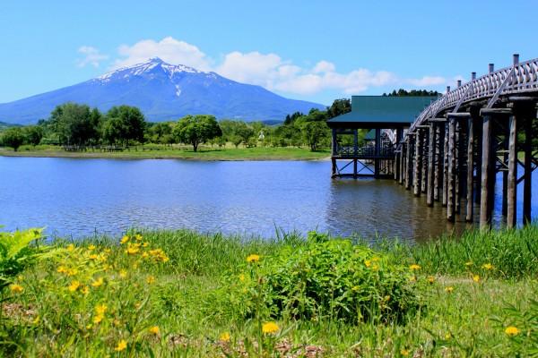 岩木山と津軽富士見湖