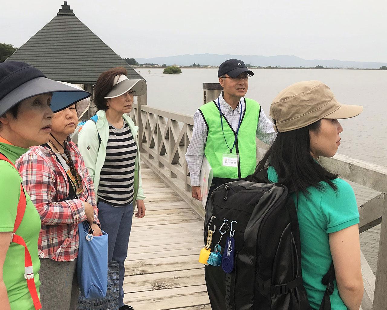 平成30年度 鶴の舞橋 観光ガイド利用方法 橋の上の坂本ガイド